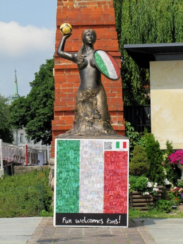 Welcome statue for the Euro 2012 games