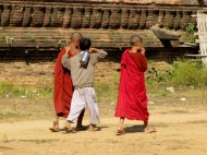 Novice monks in Mingon