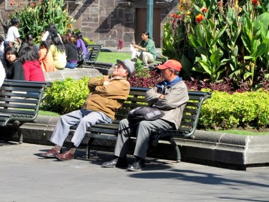 Hanging out, Grand Plaza in Quito