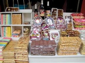 Taffy store in Baños