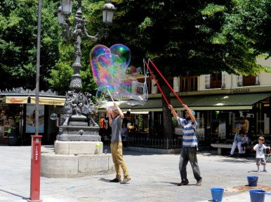 The Bubble Guys, Anything to make a buck, Granada
