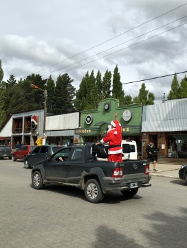 Santa arrived in El Calafate in a Fiat pickup truck