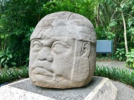 Olmec head, Villahermosa