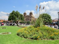 Plaza de Armas, Cusco. Iglesia de la Compañía de Jesús